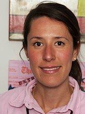 Michiko Dahlem - Dentist at Zahnarztpraxis Dr. Viola Fischer