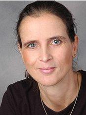 Dr Anita Strazynski -  at Zahnarztpraxis Dr. Viola Fischer
