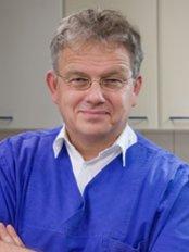 Dr.Dr.Med. Christopher Pytlik - Neustadter Strasse 29, Bielefeld, 33602,  0