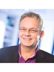 Dr Christoph Pytlik -  at Dr.Dr.Med. Christopher Pytlik