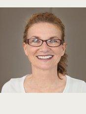 Dr. med. dent. Anja Hohendahl - Kurt-Schumacher-Platz 11 D, Bochum, 44787,