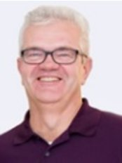 Dr Paul de Jong -  at Zahnarzt Bochum