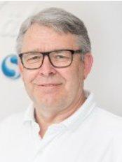 Dr Jörg Vollstedt -  at Zahnarztpraxis Dr. Thomas Stahlberg and Partner - Ostertor