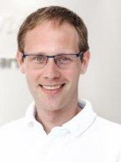 Dr Birger Lawrenz -  at Zahnarztpraxis Dr. Thomas Stahlberg and Partner - Schwachhausen