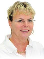 Ms Mignon Zachlod -  at Zahnartzpraxis  Dr. med. dent. Dirk Heinicke M.Sc. and Dr. med. dent. Uta Heinicke