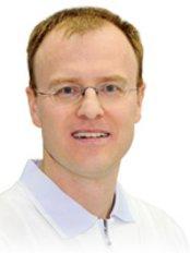 Dr Dirk Heinicke - Dentist at Zahnartzpraxis  Dr. med. dent. Dirk Heinicke M.Sc. and Dr. med. dent. Uta Heinicke