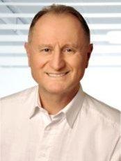 Dr Volker Kopriwa -  at AllDent Zahnzentrum Frankfurt
