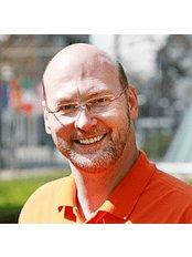 Cosmetic Dentistry P. Tomovic Frankfurt Westend - Bettinastr. 35-37, Frankfurt am Main, Hesse, 60325,  0