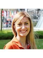 Ms Rasha Al-Momany - Orthodontist at Cosmetic Dentistry P. Tomovic Frankfurt Westend