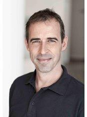 Prof Andree Piwowarczyk - Dentist at Dentaloft - Nordend