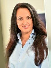 Dr Nadia Deuter - Dentist at Dr. Olga Kaiser, Dr. Kurt Mayer und Kollegen