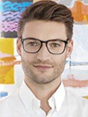 Dr Fabian Stiller - Dentist at Zahnarztpraxis Hagen Winkelmann