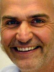 Dr Joachim Scheiderer - Dentist at Zahnarztpraxis Dr Joachim Scheidere
