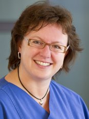 Ms Ulla Wende -  at Dr Ari Lurje