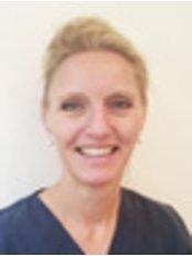 Ms Imke Gersie -  at Dr. Ricardo Constantin - Innenstadt