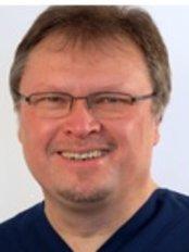 Dr Stefan Schneider - Dentist at MVZ Dentologicum GBR