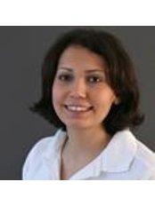 Ms Najma Siam - Dental Nurse at Praxis Klinik
