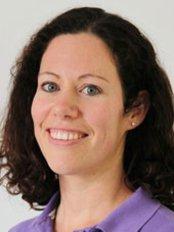 Dr Emma Barnes - Orthodontist at Fachpraxis für Kieferorthopädie Nidderau