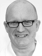 Dr Jens Ast -  at Praxisklinik Dr Twent and Partner