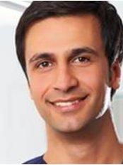 Dr Mehdi Fereidouni -  at Konigsweib Zahnarzte