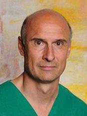 Dr Ullrich Otte - Surgeon at Praxisklinik für Mund-, Kiefer- und Gesichtschirurgie - Plastische Operationen
