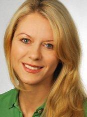 Ms Anna Dobbe -  at Dr med Dent Matthias Dobbe
