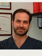 Orthodontic Clinic - Konstantinos Kontos - Dioharous 13-15, Athens, 161 21,