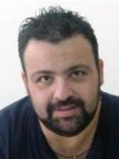Peter D Theodorakis - Kornarou 8-10, Chania,  0