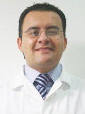 Denti Vitale Especialidades Dentales - Dr. Luis Grisolia DDS, FICOI,FICD.