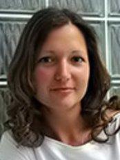 Ms Tamas Timea -  at Brilliant Smile Zahnmedizi Ungarn