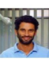 Dr Adam - Dentist at Déli Dental Fogászati Szakrendelő