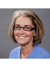Dr Andrea Badonyi - Doctor at Dental Hungary