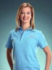 Dr. Alexandra Hernadi - Zahnärztin - DentalCoop von Dr. Schatz