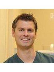 Dr Gábriel András - Dentist at DH Dental Kft