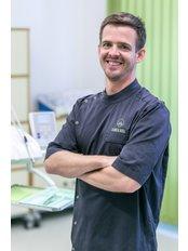 Dr. Gergő Horváth - Zahnarzt - Evergreen Dental