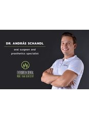 Dr. András  Schandl - Mundchirurg - Evergreen Dental