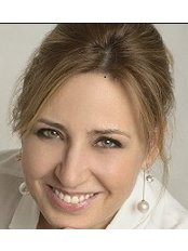 Dr Renata Heinz - Oral Surgeon at Hungarian Dental Travel