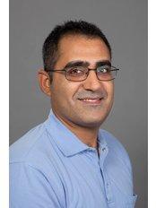 Dr Akbari Saleh -  at Kiralydent