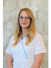 Dr Andrea Rácz - Dentist at MDental Clinic Hungary