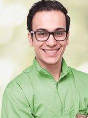 Dr Golkhorshidi Amirhossein - Dentist at Natura Dent