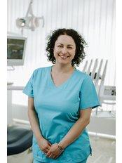 Dr. Susan Revesz - Zahnärztin - Save on Dental Care - Budapest