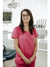 Frau Regina Szalay - Zahnhygienikerin - Save on Dental Care - Budapest