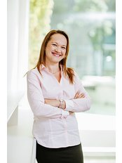 Frau Brigitta Sinkó - Internationaler Patientenkoordinator - Save on Dental Care - Budapest