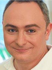 Dr Kaloján Vaszilev - Dentist at Újbuda Dental