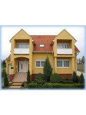 Dr Ivanyi Dr Bevardi Dental Ltd - Szabo Lorinc U 49, Hevíz, 8380,  0
