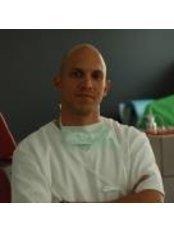 Dr Levente Kocsis -  at Lenor Fogaszat