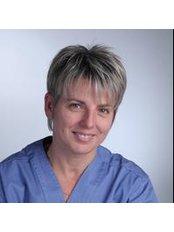 Dr Edina Koncz - Doctor at Top-Dent