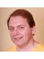 Dr József Németvölgy - Dentist at Fedasz Dental - Tannsenter