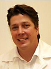 EU Dental Centre-Sopron - Dr Cziner Istvan