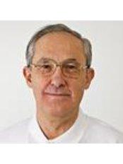Dr Gábor Máté - Dentist at Krone Dental